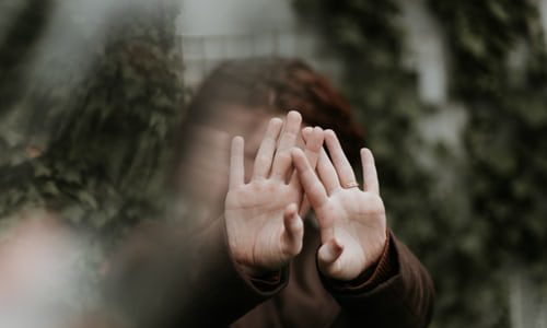 あなたを惑わす要注意人物を避け、人生を自分で切り開いていく方法