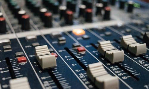 Audacityで音声トラックをモノラルからステレオに変更する方法!